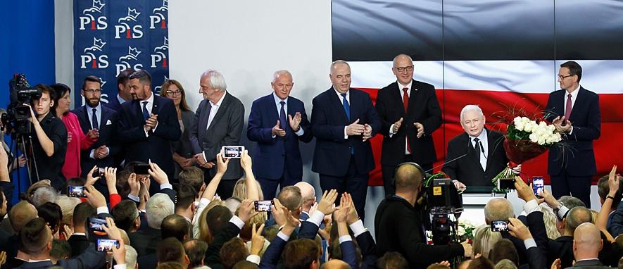 PiS wygrywa- opozycja wybiera szkodzenie Polsce